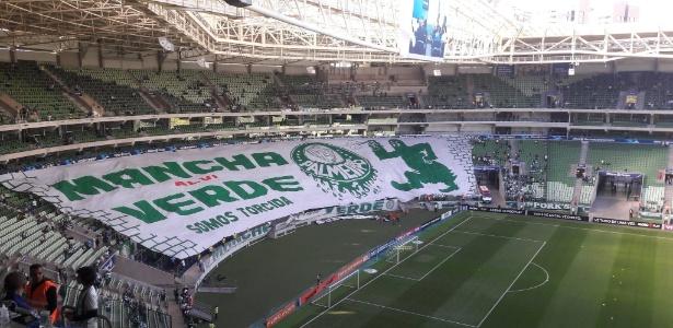 Bandeirões das torcidas do Palmeiras voltaram ao estádio no último domingo