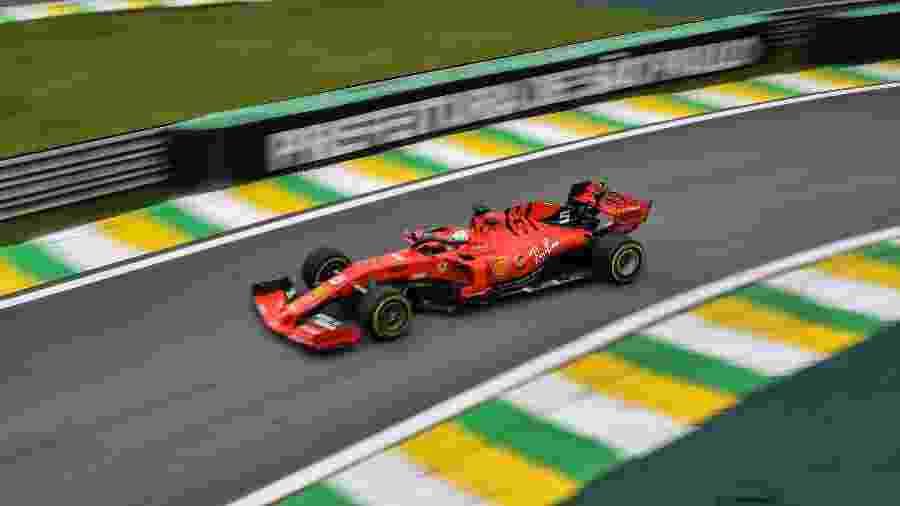 Sebastian Vettel no primeiro treino livre para o GP Brasil de Fórmula 1, em Interlagos - Nelson Almeida/AFP