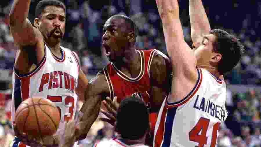 Michael Jordan queria firmar parceria com a Adidas ao invés da Nike, no início da carreira - Andrew D. Bernstein/NBAE via Getty Images