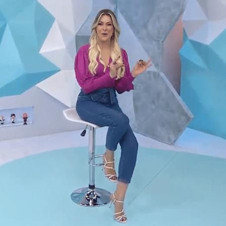 Renata Fan, apresentadora do Jogo Aberto - Reprodução/TV Band