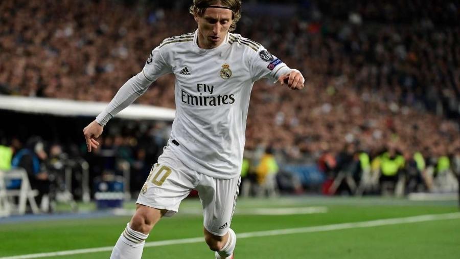 Luka Modric renovou com o Real Madrid por mais uma temporada, segundo jornal - Getty Images
