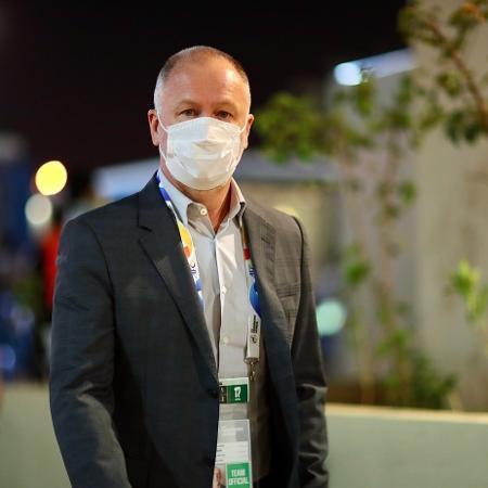 Mano Menezes antes da partida contra o Al-Sadd - Reprodução/Twitter @AlNassr_EN