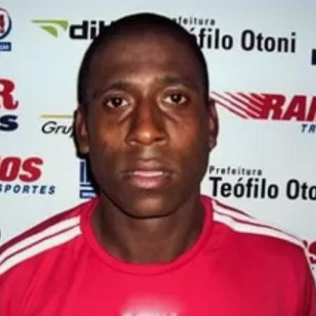 Diogo Oliveira rodou por diversos clubes brasileiros em sua carreira de jogador - Reprodução/Twitter