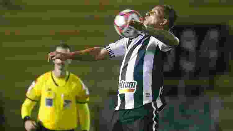 Rafael Moura fez a estreia pelo Botafogo na partida contra o Remo, pela Série B do Brasileiro - Vitor Silva / Botafogo - Vitor Silva / Botafogo
