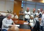 Presidente do Corinthians é cobrado por membros de torcida organizada
