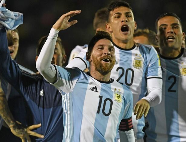 Resultado de imagem para Messi emplacou 3 gols na classificação da Argentina