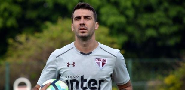 Lucas Pratto reforçou o São Paulo no treino desta terça-feira, no CT da Barra Funda