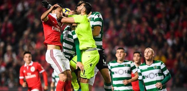 Benfica e Sporting foram punidos por firmar contratos que davam poderes a terceiros - PATRICIA DE MELO MOREIRA/AFP