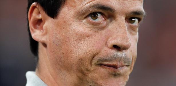 Fernando Diniz em ação pelo Atlético-PR; técnico acertou com o Fluminense - RODOLFO BUHRER/FOTOARENA/FOTOARENA/ESTADÃO CONTEÚDO