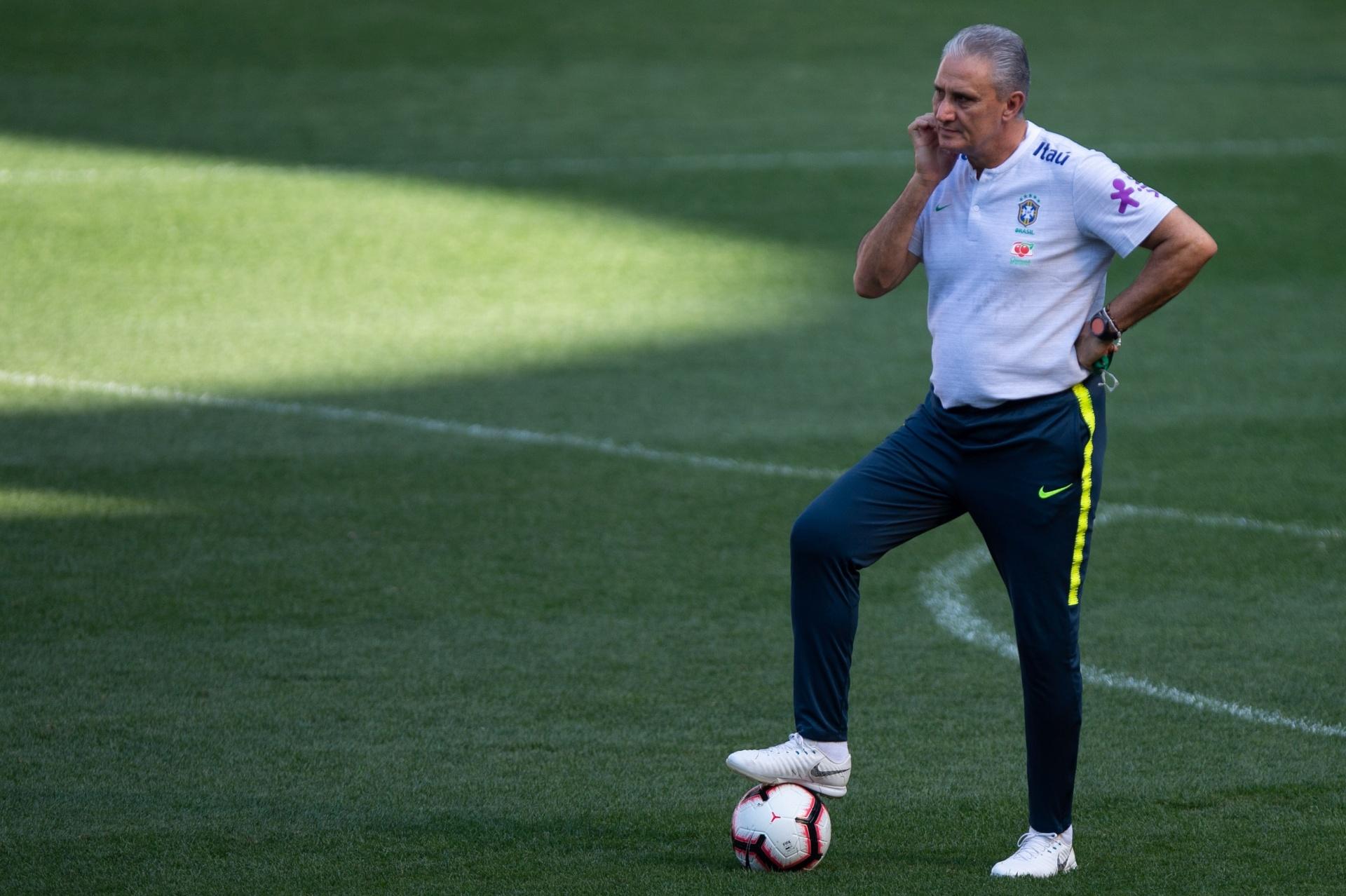 3c52e4ed90 CBF confirma amistoso contra o Uruguai e procura 2º rival para novembro -  09 10 2018 - UOL Esporte