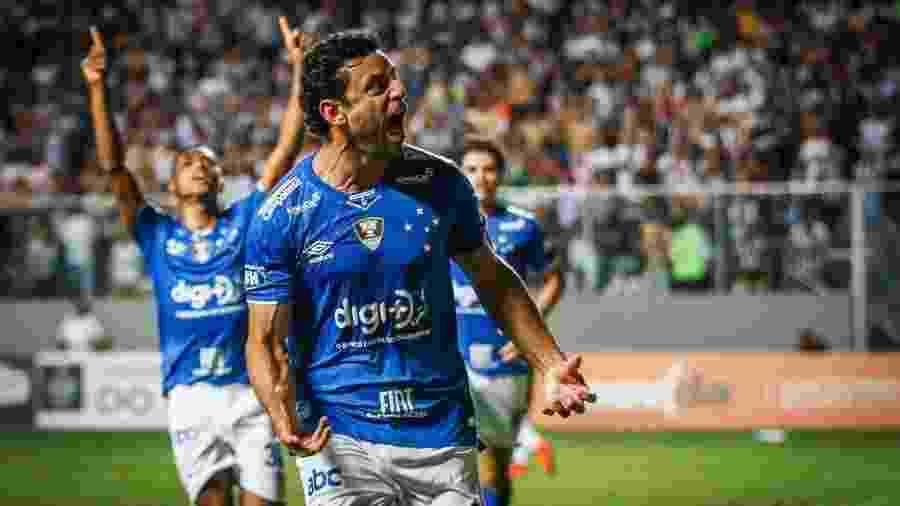 Campeão mineiro, Fred comemora gol do Cruzeiro sobre o Atlético-MG - divulgação/Cruzeiro