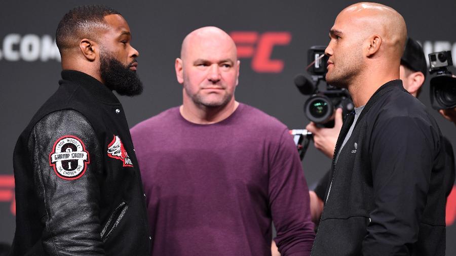Tyron Woodley encara Robbie Lawler em coletiva de imprensa do UFC - Josh Hedges/Zuffa LLC