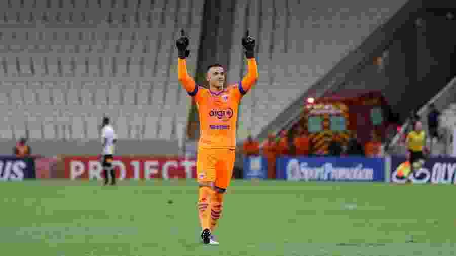 Felipe Alves volta ao time do Fortaleza após cumprir suspensão - Pedro Chaves/AGIF