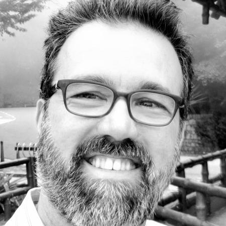 Roby Porto, ex-narrador do SporTV, anunciou a morte de sua mãe no Twitter - Arquivo Pessoal