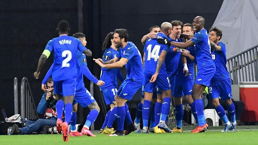 Equipe Getafe durante classificação às oitavas da Liga Europa; clube se recusou a viajar - JOHN THYS/AFP