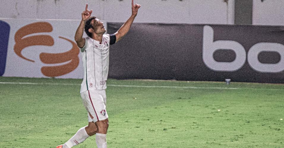 Fred comemora seu gol na partida do Fluminense contra o Goiás, pelo Brasileirão