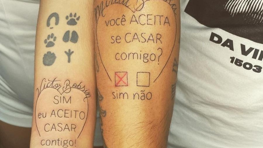 Mirela Bertola fez tatuagem após pedido de casamento de Victor Bobsin, jogador sub-23 do Grêmio - Reprodução
