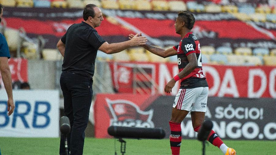 Rogério Ceni e Bruno Henrique, em duelo do Flamengo com o Bahia, vencido pelos rubro-negros - Alexandre Vidal / Flamengo