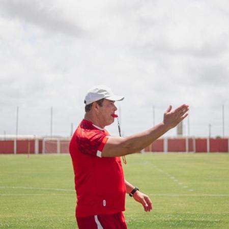 Roberto Fernandes está internado em hospital de Maceió - Ascom/CRB