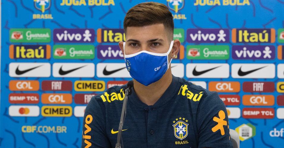 Bruno Guimarães, durante entrevista coletiva da seleção brasileira