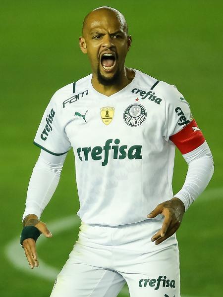 Volante do Palmeiras tira onda em partida de jogo online - Pedro H. Tesch/AGIF