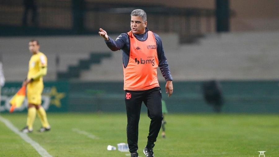 Marcelo Cabo ficou frustrado por não sair com a vitória no empate em 1 a 1 do Vasco com o Coritiba - Rafael Ribeiro / Vasco
