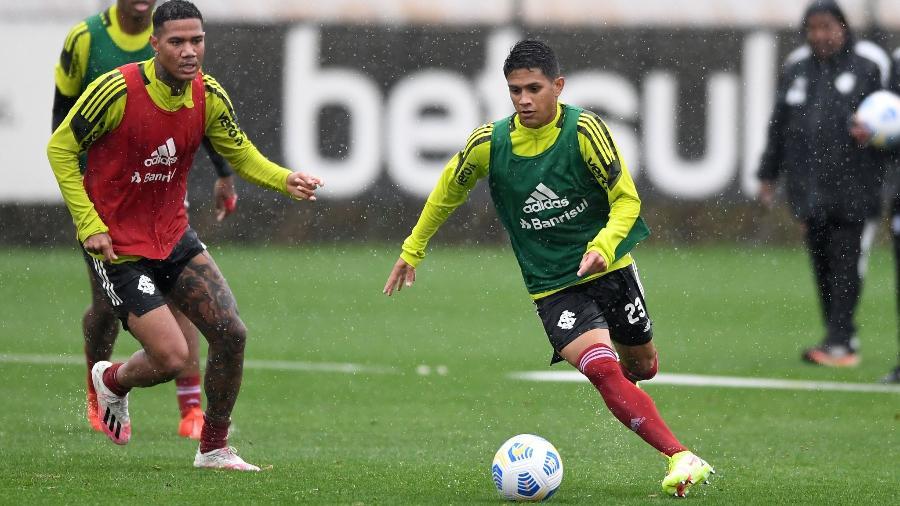Gustavo Maia se prepara para estrear pelo Inter e pode mudar característica do setor - Ricardo Duarte/Inter