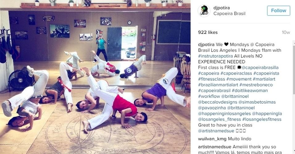Potira também é instrutora de capoeira