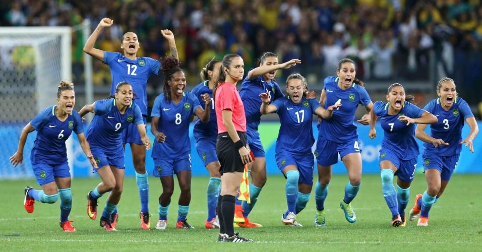 7X6! Brasil bate Austrália nos pênaltis e vai à semifinal do futebol feminino
