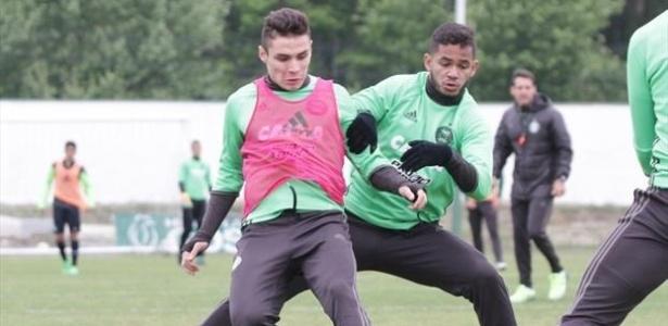 Raphael Veiga (à esquerda) está na mira de Cruzeiro e Palmeiras para a próxima temporada