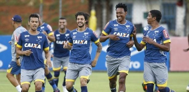 Jogos-treino ajudarão Mano a escolher qual será o time titular do Cruzeiro neste início de ano