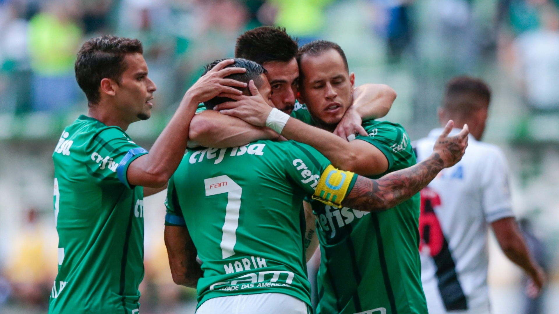 Jogadores do Palmeiras comemoram o gol marcado por Jean diante do Vasco no Campeonato Brasileiro