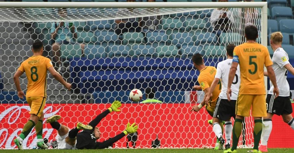 Juric marca para a Austrália após falha de Leno, da Alemanha