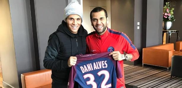 Com assessor de imprensa em comum, Veiga visitou Daniel Alves em Paris