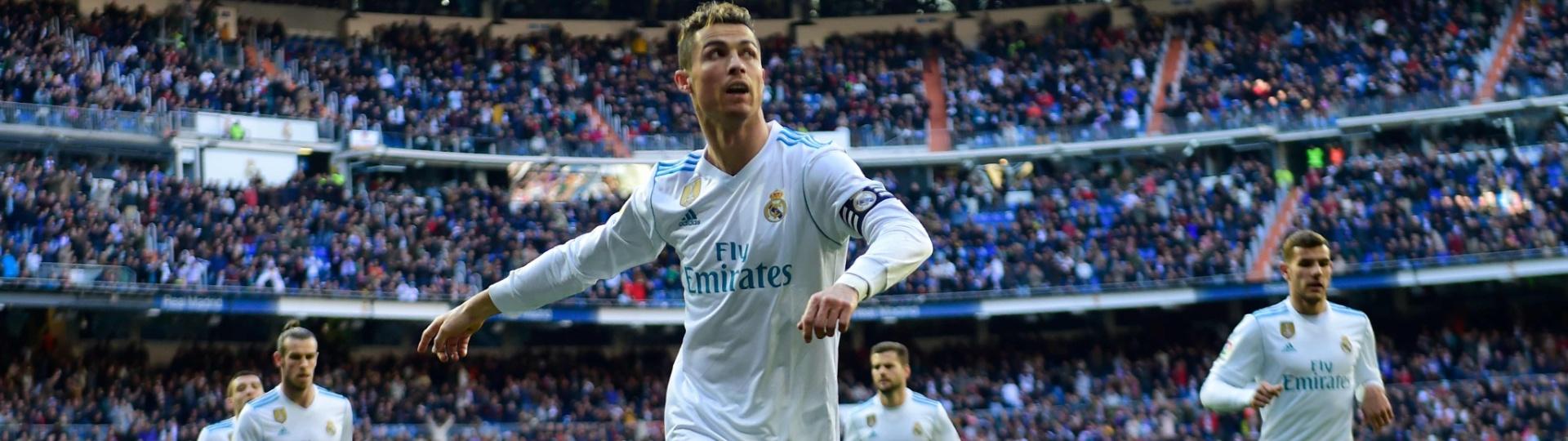 Cristiano Ronaldo comemora gol marcado para o Real Madrid contra o Alavés
