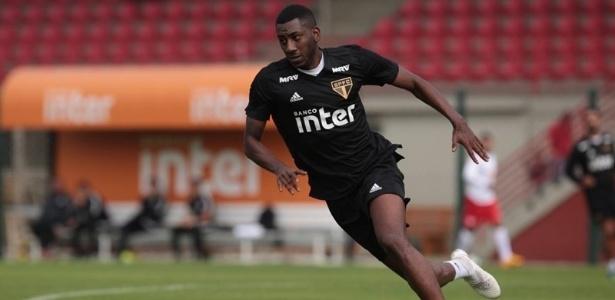 Carneiro fez o gol do São Paulo contra o São Caetano
