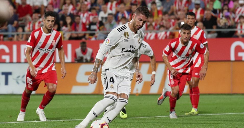 Sergio Ramos bate de cavadinha, converte penalidade e empata o jogo entre Girona e Real Madrid