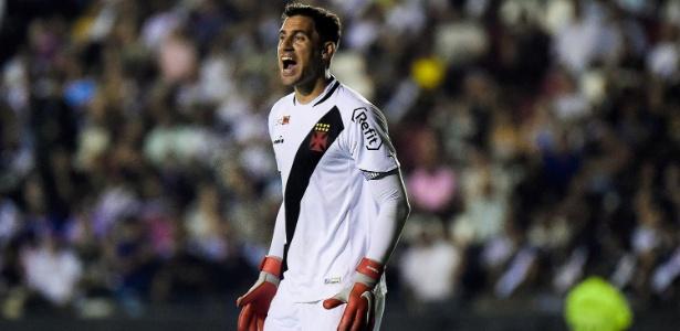 Martín Silva em ação contra o Bahia; goleiro está desde 2014 no Vasco - Thiago Ribeiro/AGIF