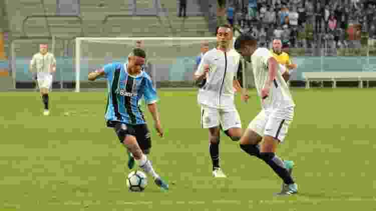 Gui Azevedo, meia-atacante do Grêmio, está na mira do PSG, da França - Divulgação/Grêmio