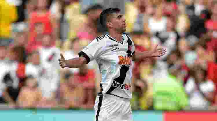Tiago Reis comemora gol do Vasco sobre o Flamengo - Thiago Ribeiro/AGIF - Thiago Ribeiro/AGIF