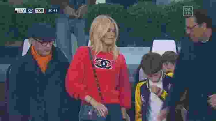 Claudia Schiffer em Juventus x Torino - DAZN/Reprodução - DAZN/Reprodução