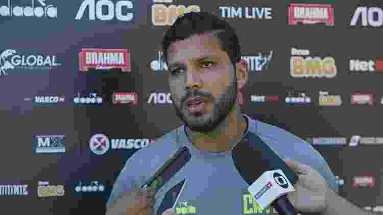 Zagueiro colombiano Oswaldo Henríquez não era aproveitado por Valentim e virou titular com Luxemburgo - Rafael Ribeiro / Vasco.com.br