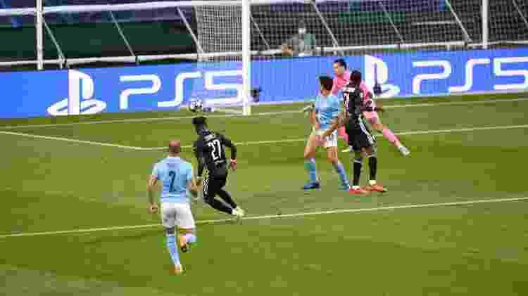 Cornet - Michael Regan - UEFA - Michael Regan - UEFA