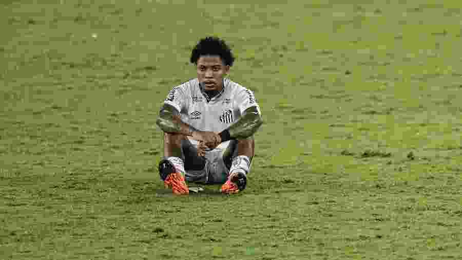 Marinho jogador do Santos lamenta ao final da partida contra o Botafogo no estadio Engenhao pelo campeonato Brasileiro A 2020 - Thiago Ribeiro/AGIF