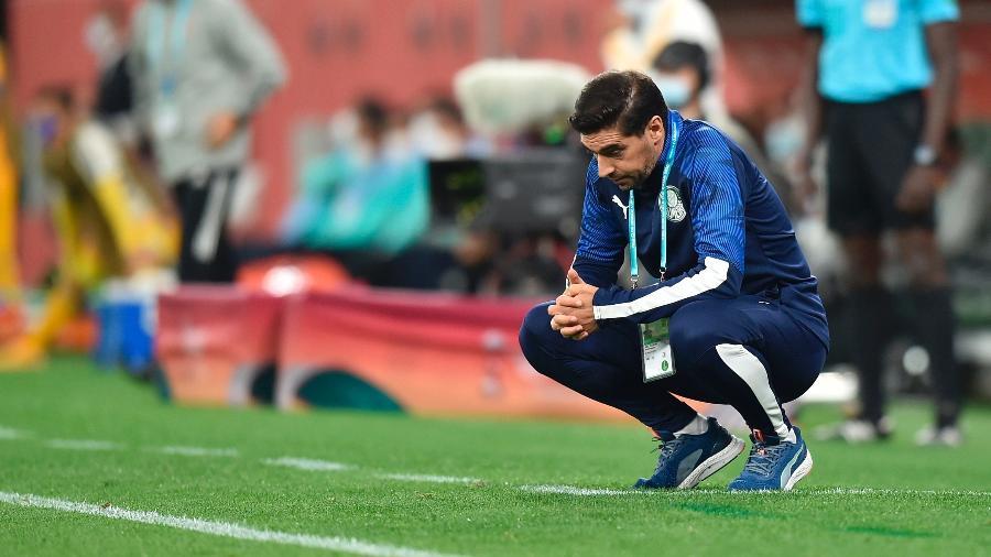 Abel Ferreira acompanha o Palmeiras na partida contra o Tigres na semifinal do Mundial de Clubes - EFE/EPA/NOUSHAD