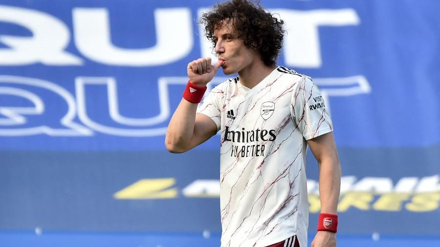 David Luiz (foto), Lacazette e Pepe fizeram os gols do time londrino fora de casa - Rui Vieira/Pool/AFP
