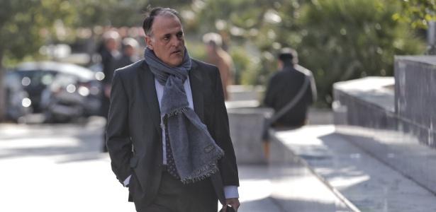 Javier Tebas chega ao tribunal para testemunhar sobre Levante x Zaragoza de 2011 - EFE/ Manuel Bruque