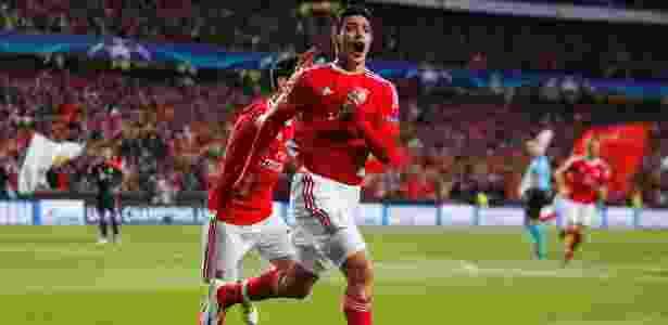 Tianjin pagaria 50 milhões de euros pelo atacante mexicano do Benfica - Rafael Marchante/Reuters