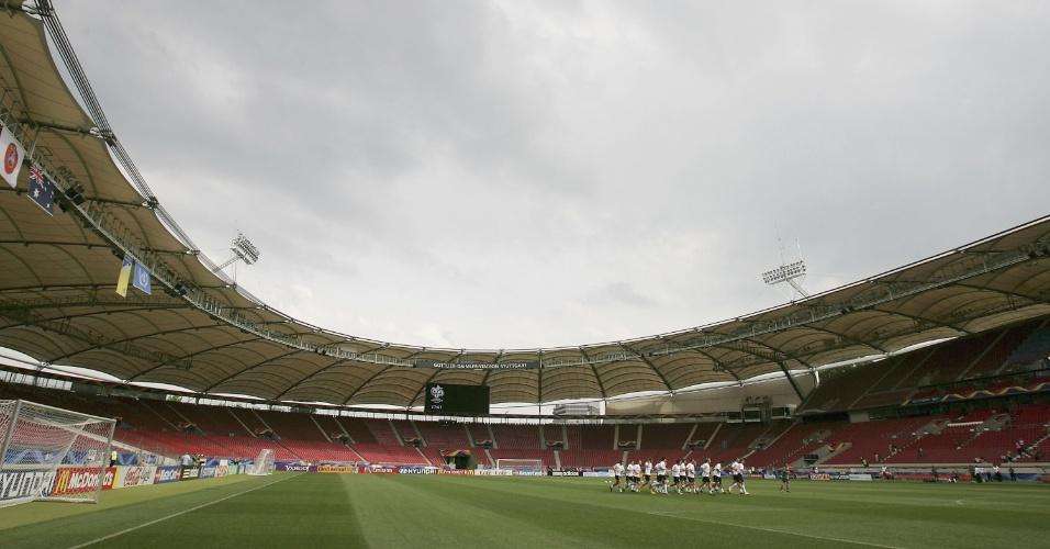 Mercedes-Benz Arena, antigo Neckarstadion, em Stuttgart, na Alemanha