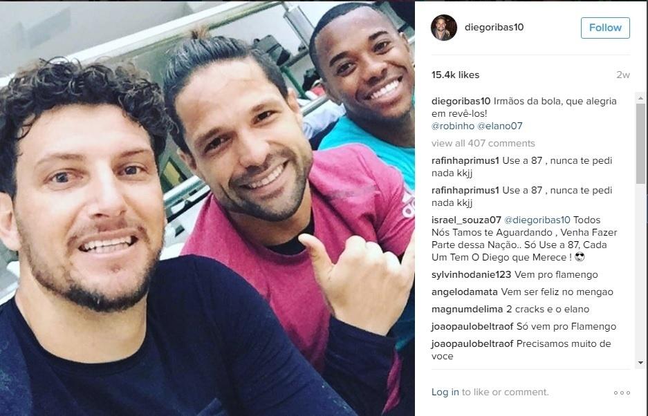 Diego também costuma encontrar os amigos ex-Santos Elano e Robinho